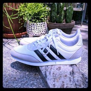 Adidas sneaker 8.5